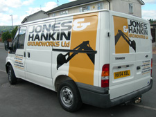 Jones and Hankin van